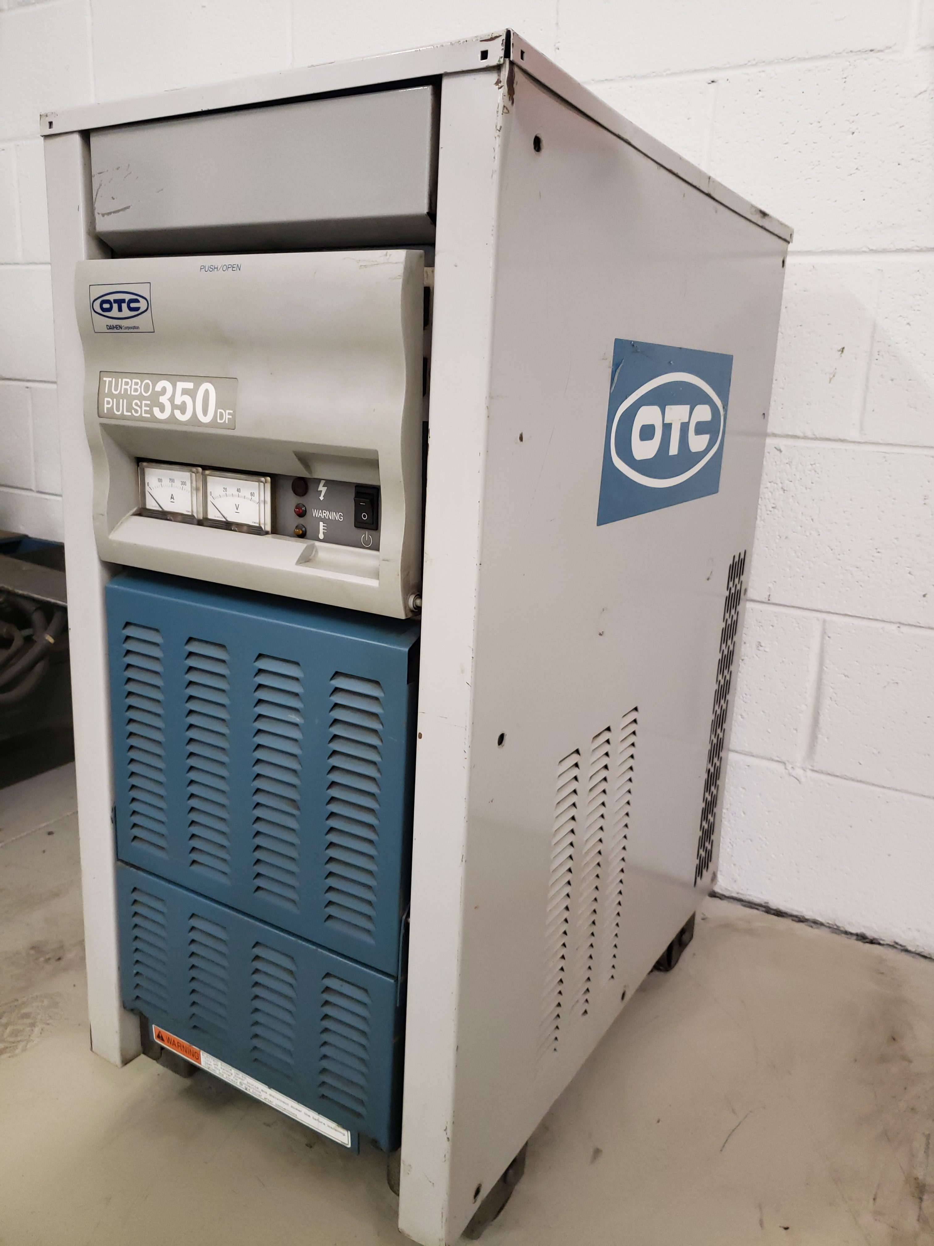 OTC DAIHEN TURBO PULSE 350 DF WELDING MACHINE Image
